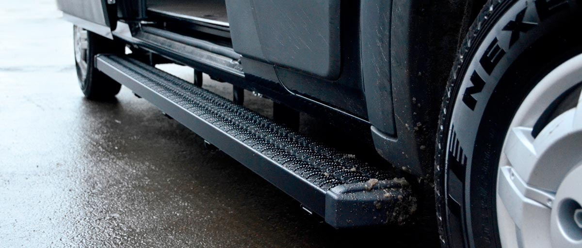 Cicioni offers running boards for your RAM ProMaster, Ford Transit, MB Sprinter, GMC Savana, Chevy Express, Freightliner, and Nissan NV.